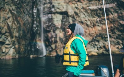 Passanger on Rugged Beauty Boat Tour
